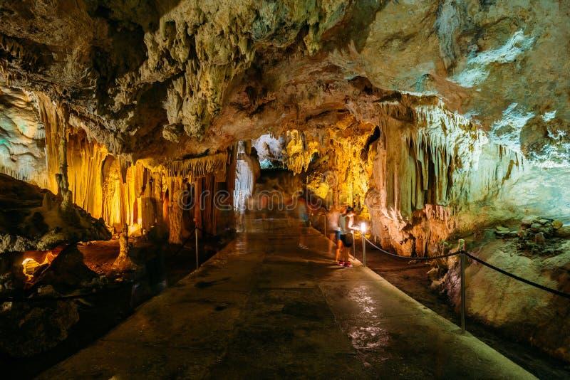 Cuevas de Nerja - cuevas de Nerja en España imagen de archivo