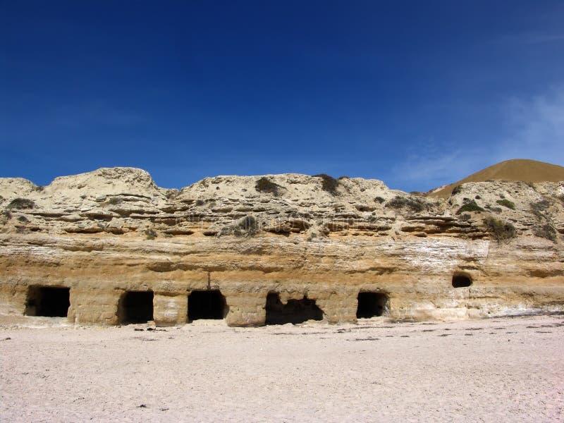 Cuevas Del Acantilado Foto de archivo libre de regalías