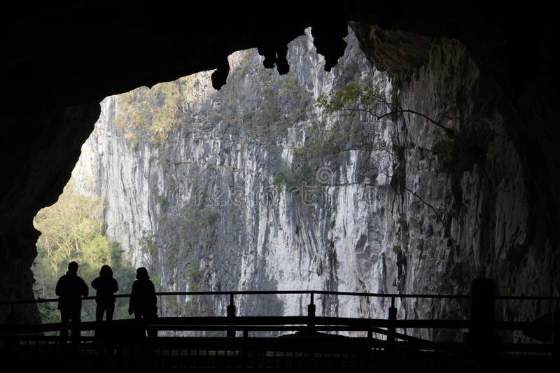 Cuevas en Dashiwei Tiankeng imágenes de archivo libres de regalías