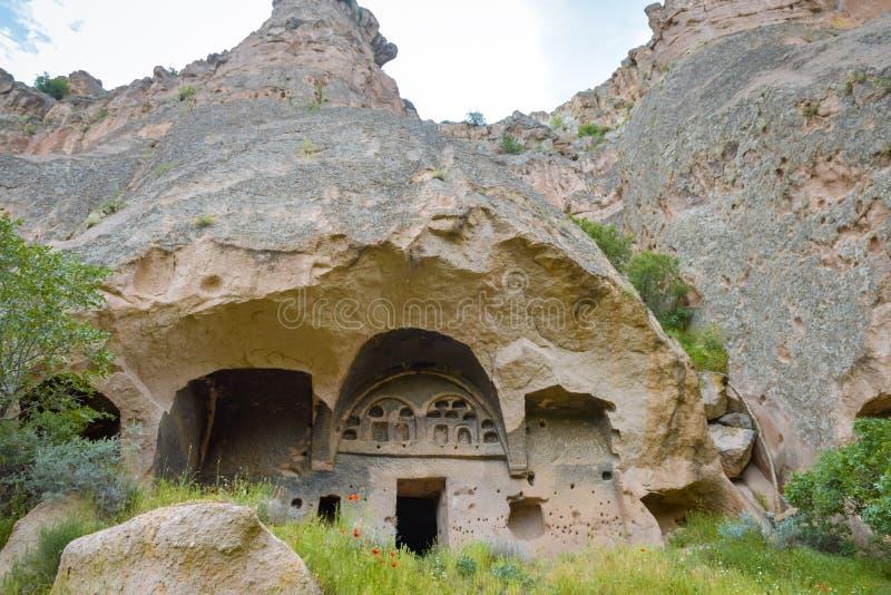 Cuevas hechas a mano en el valle Cappadocia, Turquía de Ihlara fotografía de archivo