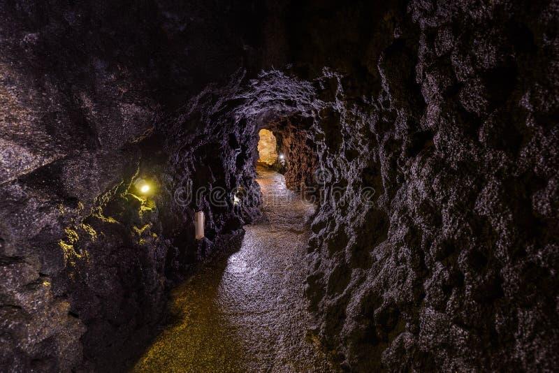 Cuevas volcánicas en el sao Vicente - Madeira Portugal imagenes de archivo