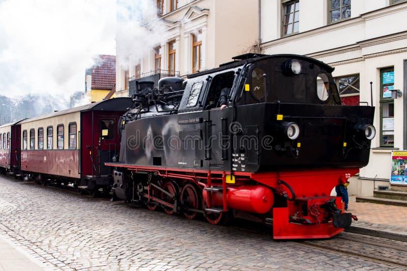 Cueza el tren al vapor, Molli pasa con mún Doberan foto de archivo libre de regalías