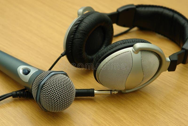 Cuffia e microfono fotografia stock