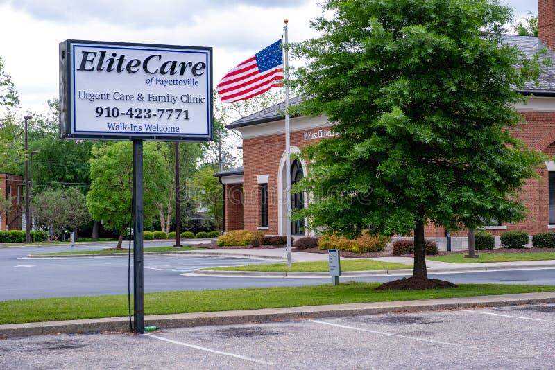 Cuidado da elite da cl?nica urgente da fam?lia do cuidado de Fayetteville imagens de stock