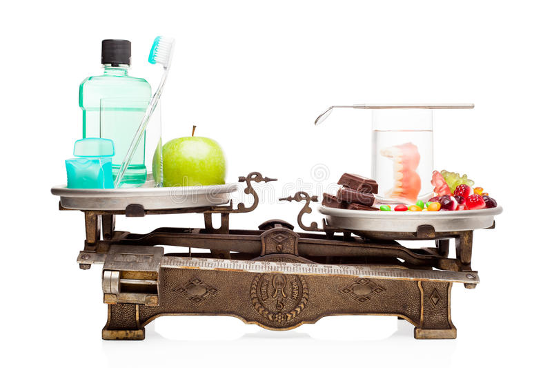Cuidado dental contra a dieta insalubre. foto de stock