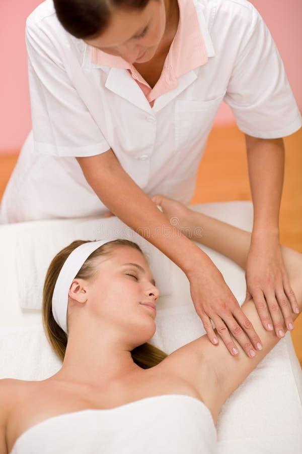 Cuidado do corpo - massagem da mão da mulher imagens de stock royalty free