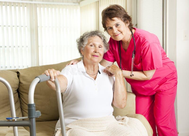 Cuidado do lar de idosos fotografia de stock royalty free