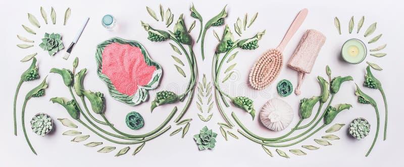 Cuidado natural do corpo, termas e conceito cosmético Compondo com as folhas e flores tropicais verdes, bacias, sal do mar e mass fotografia de stock royalty free