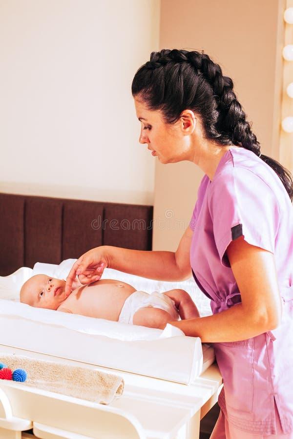 Cuidado para el recién nacido fotografía de archivo