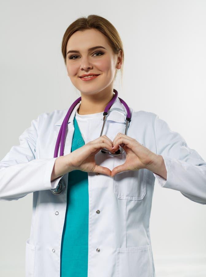 Cuidado, salud, protección y prevención de la cardiología foto de archivo