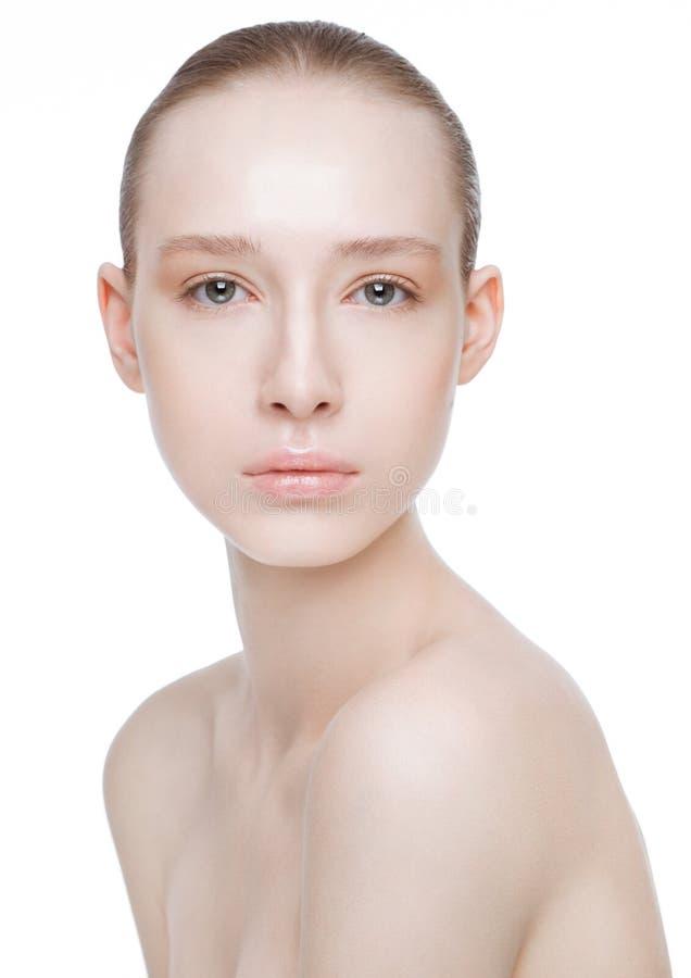 Cuidados com a pele naturais dos termas da composição da menina bonita da mulher fotografia de stock