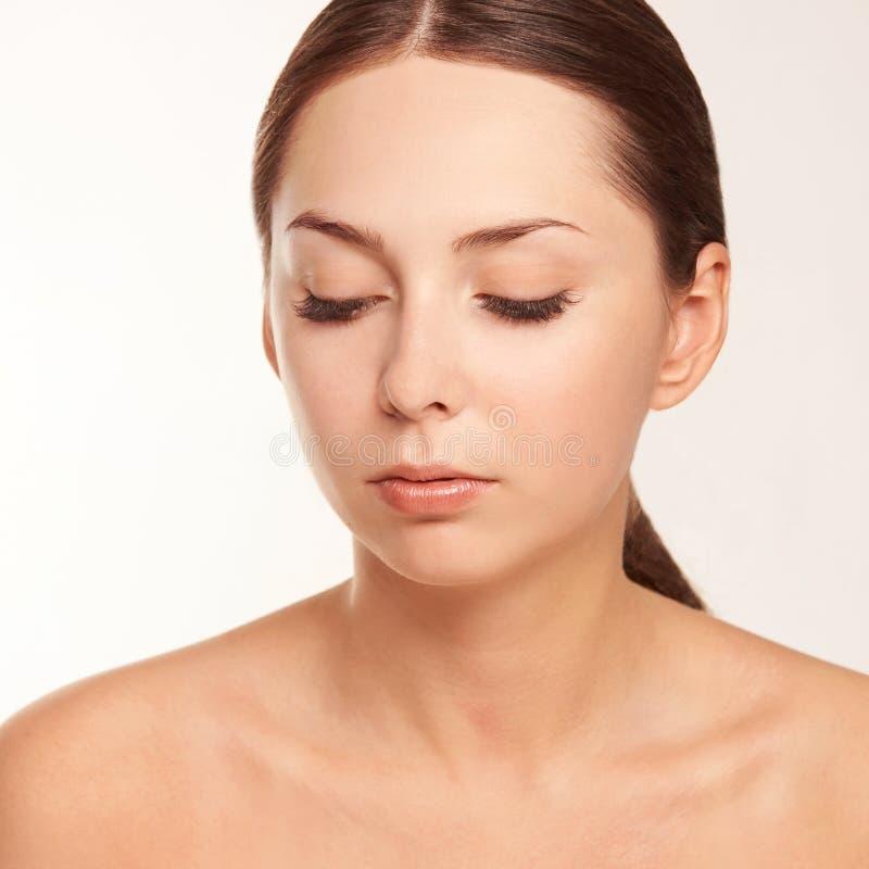 Cuidados com a pele saudáveis da moça Plástico da mulher do encanto imagens de stock royalty free