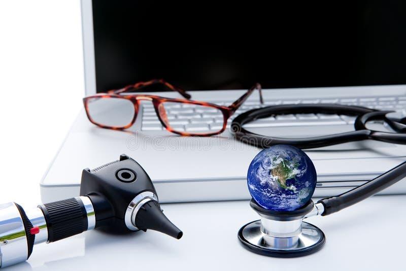 Cuidados médicos globais imagens de stock