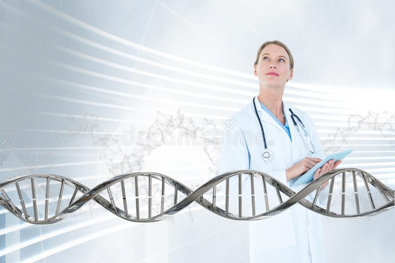 Cuide a la mujer que mira para arriba con el filamento de la DNA 3D imágenes de archivo libres de regalías