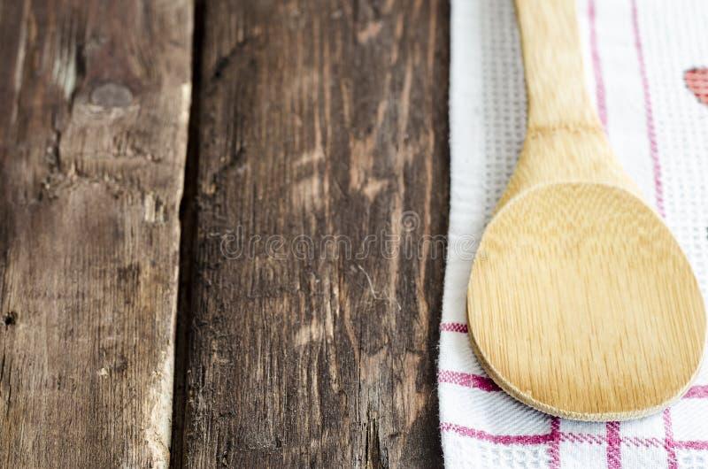 Cuillère en bois de cuisine photo stock