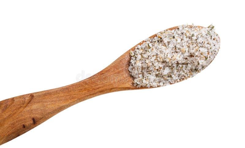 cuillère en bois de vue supérieure avec la fin de sel chevronné  images libres de droits