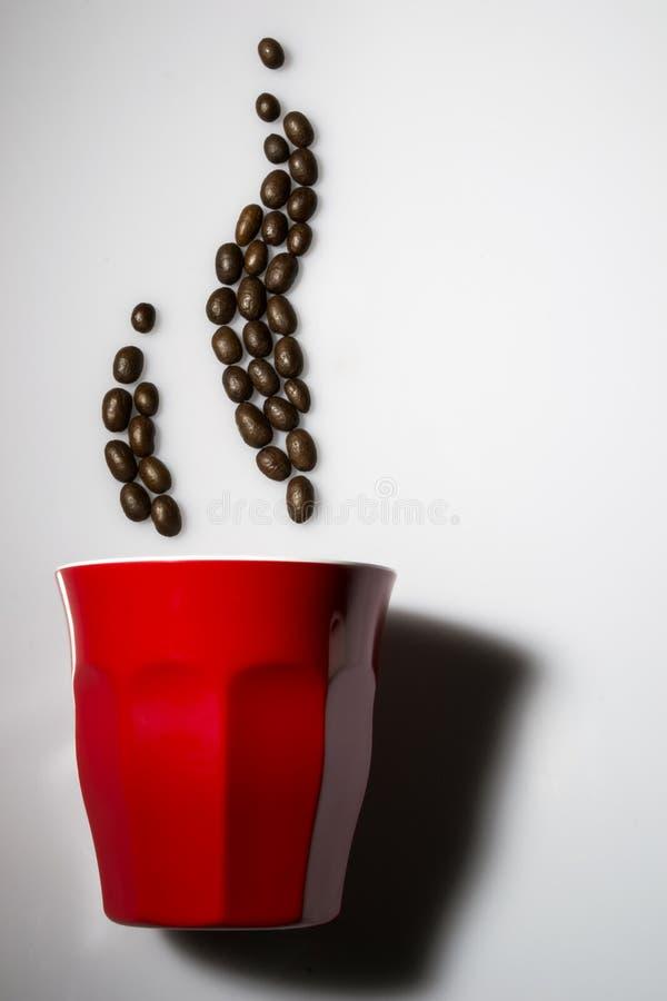 Cuire le café à la vapeur image stock