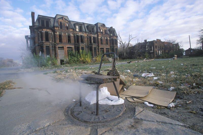 Cuisez l'évasion à la vapeur du trou d'homme avec la chaise, Detroit, Michigan image libre de droits
