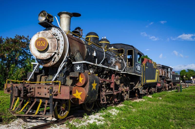 Cuisez le train à la vapeur, attraction touristique locomotive chez le Cuba image stock