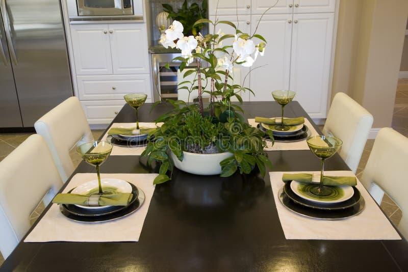 Cuisine à la maison de luxe. image libre de droits