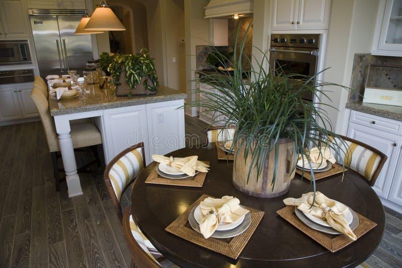 Cuisine à la maison de luxe photo libre de droits