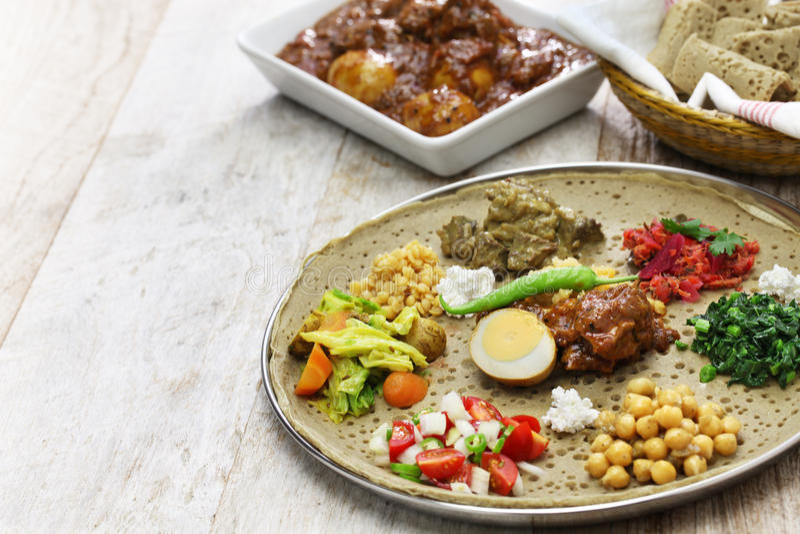Cuisine éthiopienne Photo Stock Image Du Vert Chou - Cuisine ethiopienne