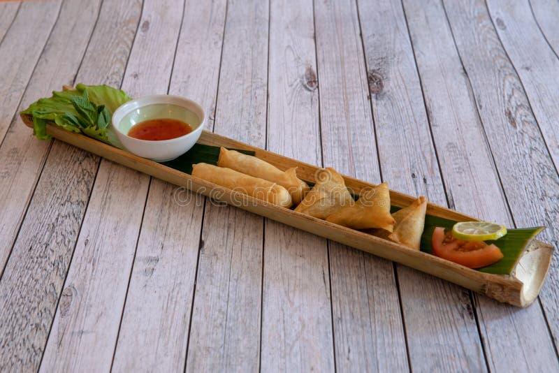 Cuisine asiatique et tha?landaise photographie stock libre de droits