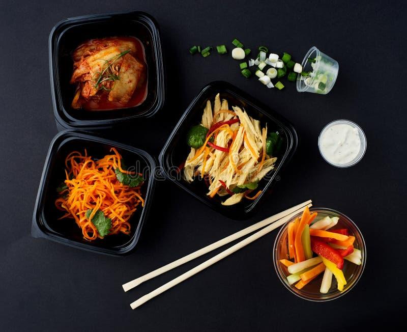 Cuisine coréenne Ensemble de salades image stock