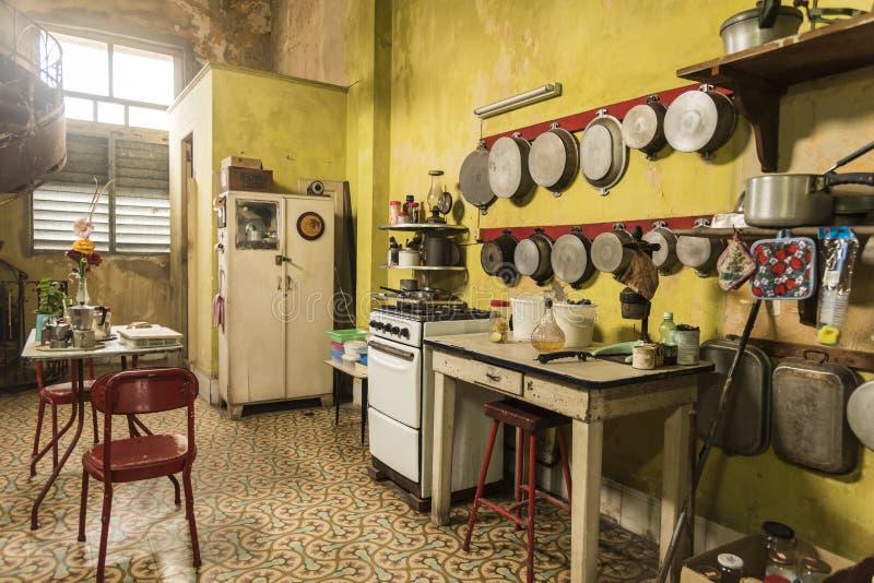 Cuisine dans la maison Alonso Havana image stock