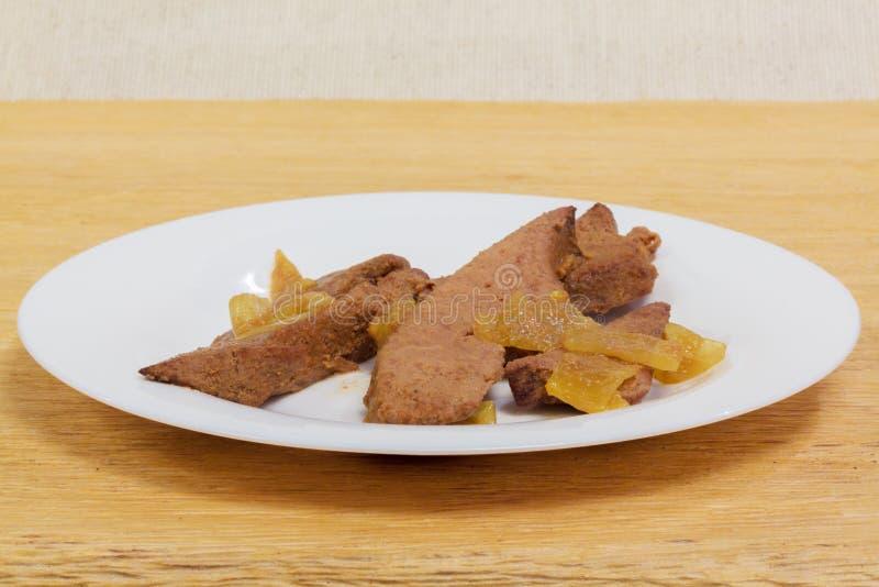 Cuisine familiale de foie de porc photos stock