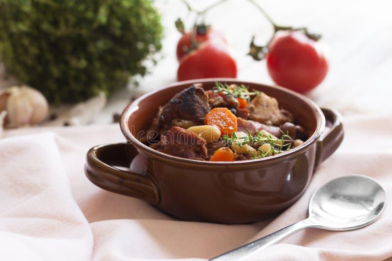 Cuisine française - cassoulet photos stock