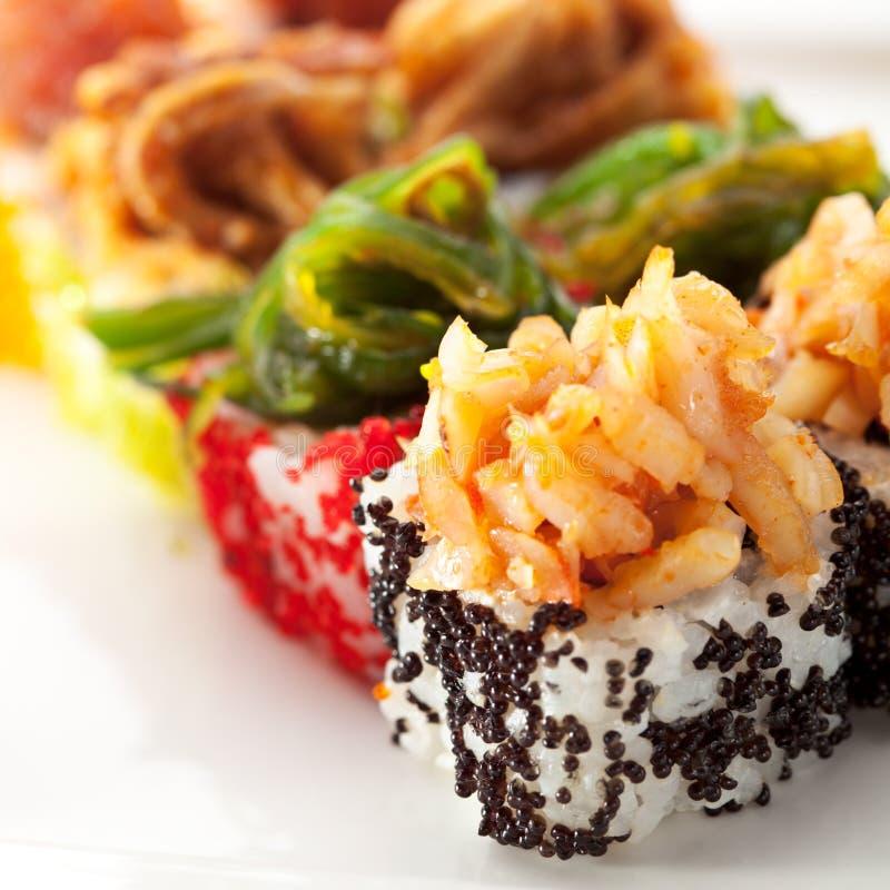 Download Cuisine Japonaise - Roulis De Sushi Image stock - Image du restaurant, mangez: 45366457
