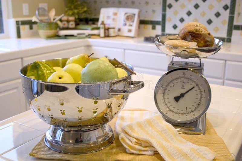 Download Cuisine moderne photo stock. Image du nourriture, échelle - 55378