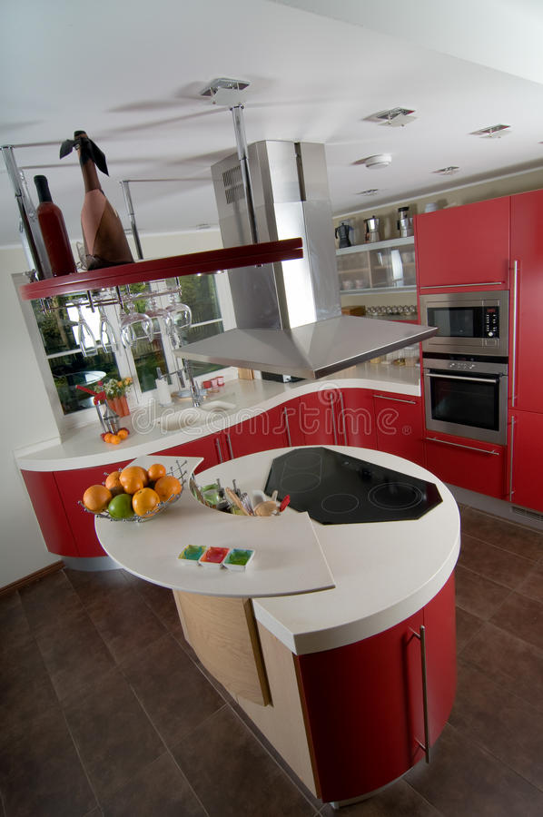 Cuisine moderne rouge photo stock image du architecture for Ceramic cuisine moderne