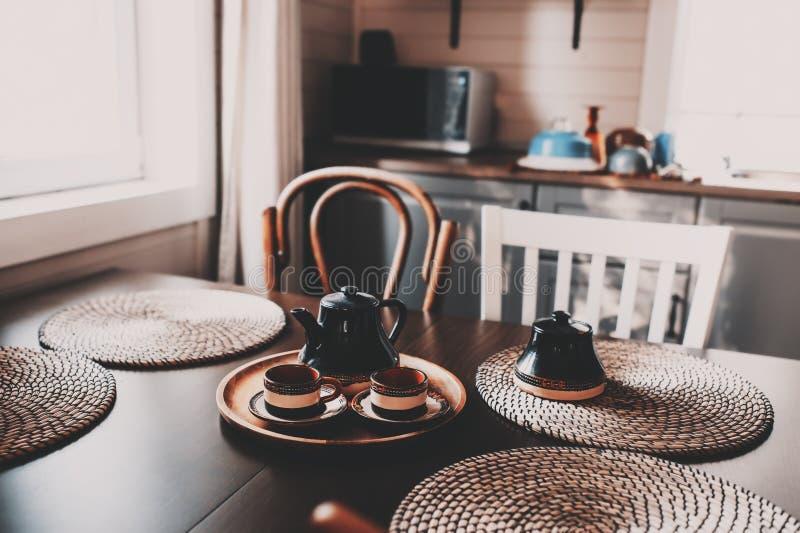 Cuisine rustique moderne image stock. Image du empilé - 78081405