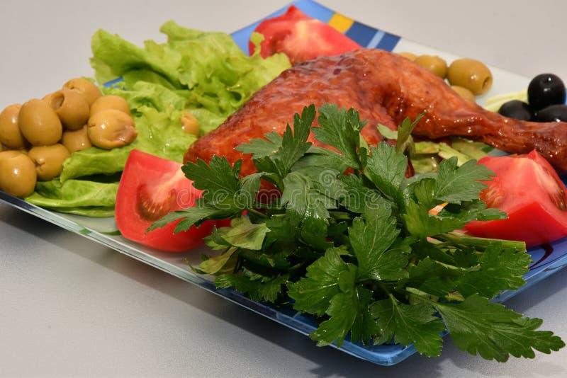 Cuisse de poulet grillée images stock