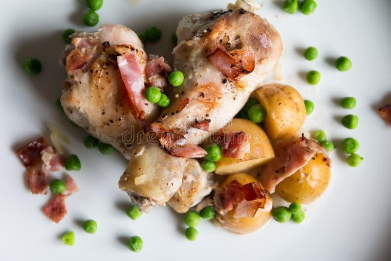 Cuisse de poulet rôti image libre de droits