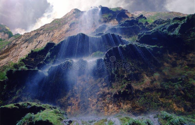 Cuisson à la vapeur des cascades image stock
