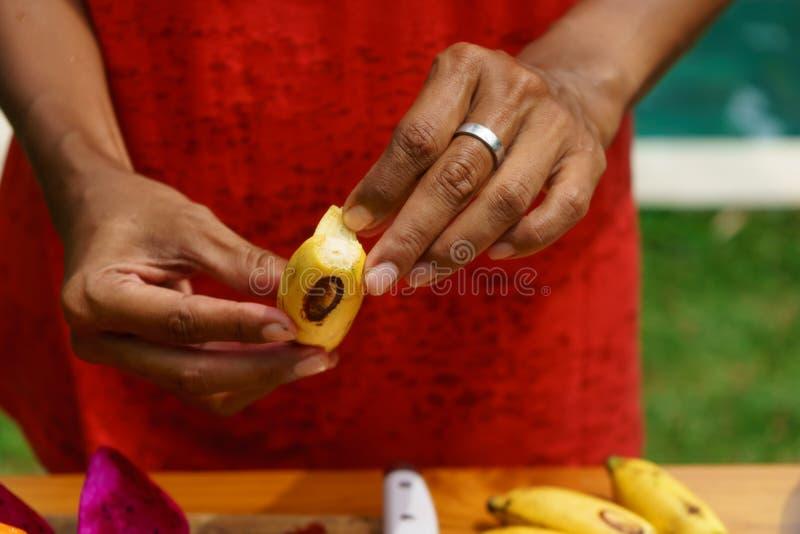 Cuisson de la classe culinaire Banan enlevé photos stock