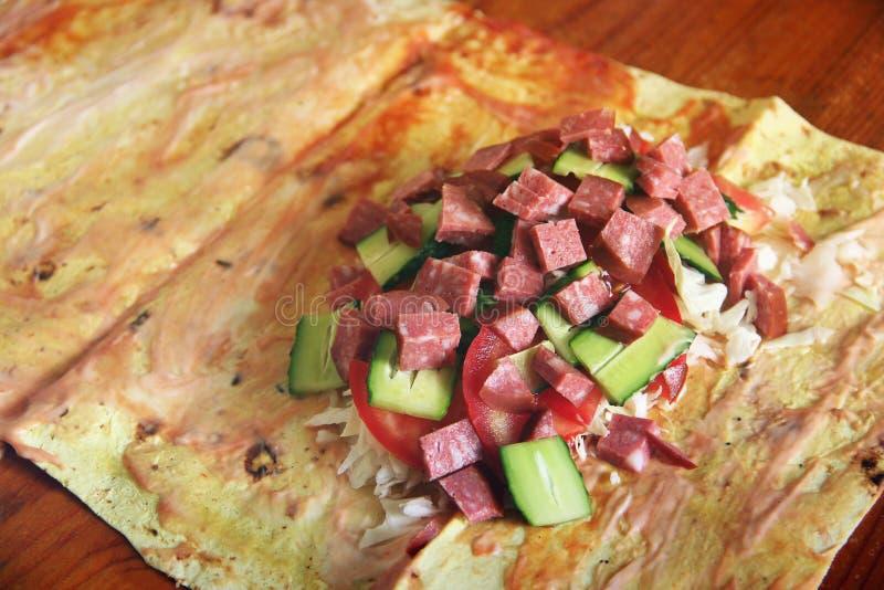 cuisson de la nourriture Shawarma Shawarma à la maison images stock
