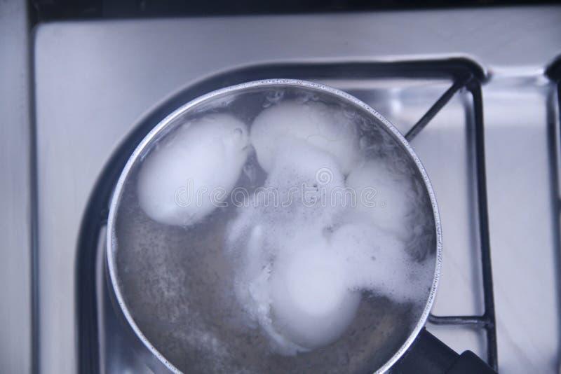 Cuisson des détails de déjeuner de nourriture de recette d'oeufs préparant le sao Paulo Brazil de vitamine photographie stock