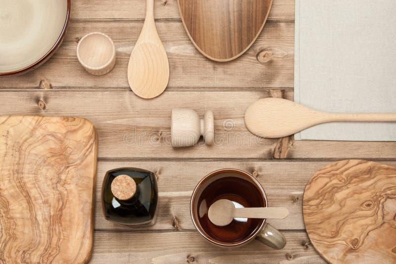 Cuisson des outils kitchenware Hachoir en bois olive Vue supérieure images stock