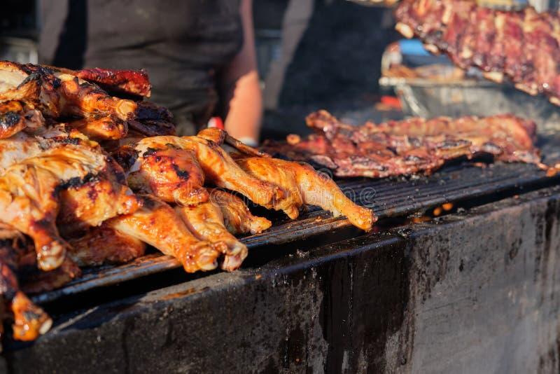 Cuisson du festival extérieur de gril de barbecue à Vancouver photo libre de droits
