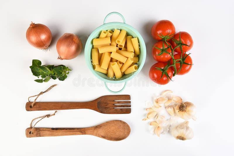 Cuisson italienne sur le blanc photos stock
