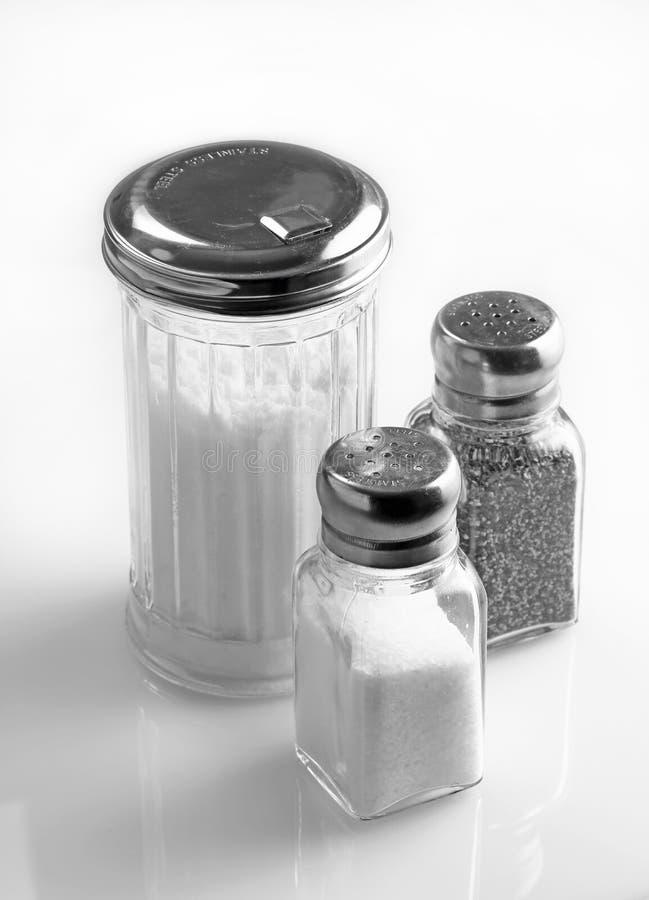 Cukier, sól i pieprzy potrząsacze, obrazy stock