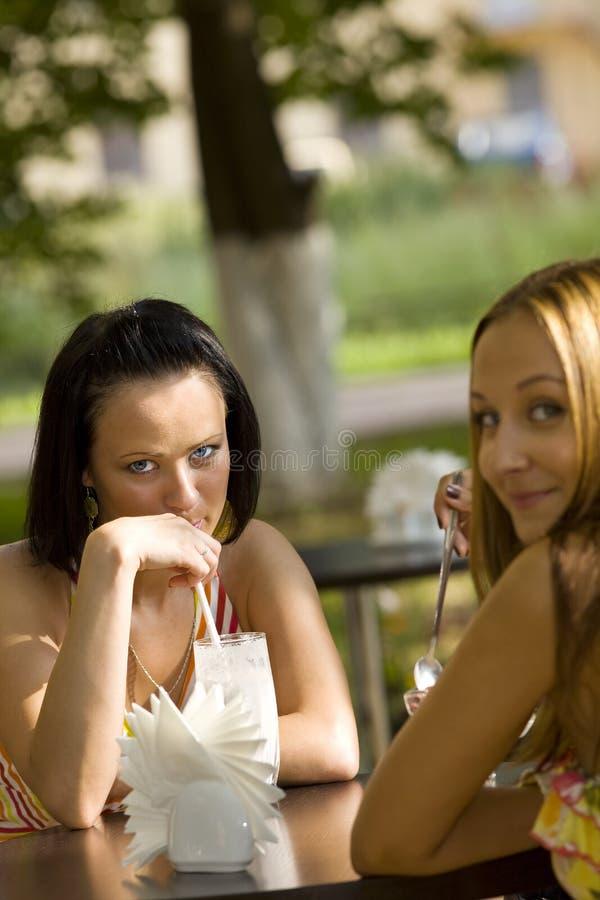 cukierniani rozmowy kobiety potomstwa fotografia stock