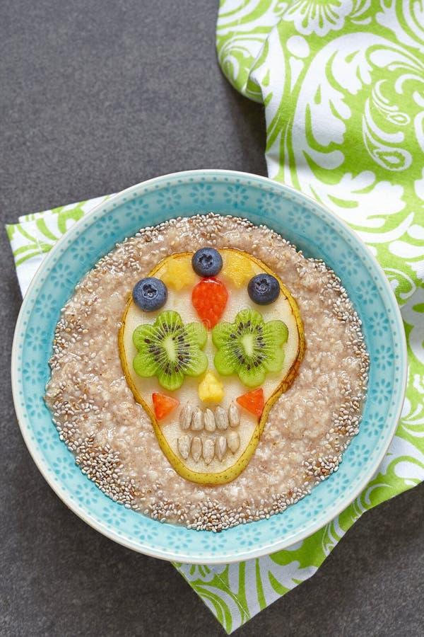 Cukrowa scull bonkreta z oatmeal obrazy royalty free