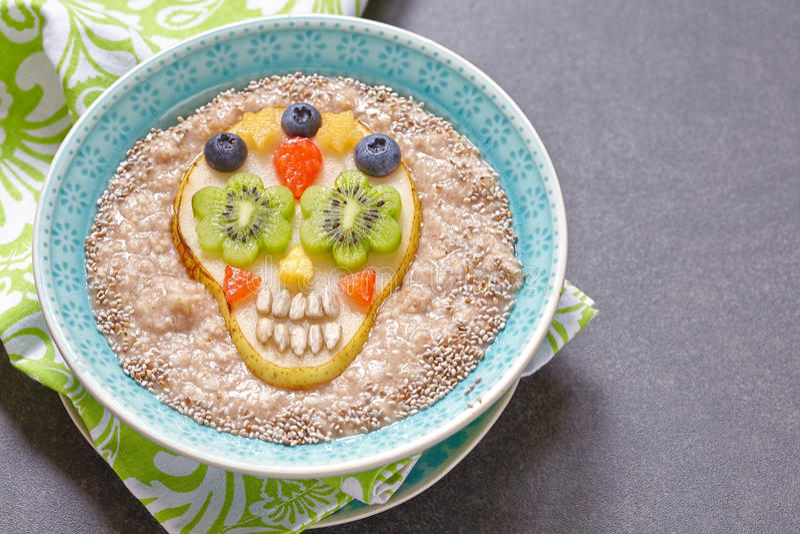 Cukrowa scull bonkreta z oatmeal zdjęcie royalty free