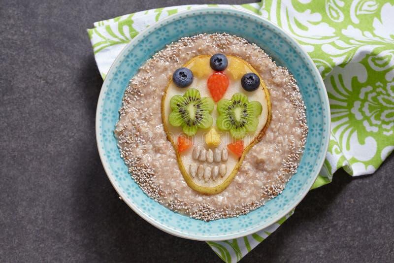 Cukrowa scull bonkreta z oatmeal fotografia royalty free