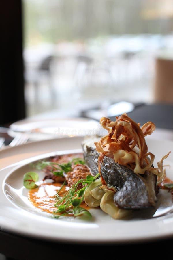 Culinária europeia do restaurante, bife do linguado fotos de stock royalty free
